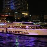 华灯初上 . 月影伴星光 . 奇妙的夜游湄南河之旅