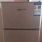 出售99新双层冰箱 2000泰铢 送电热水壶电炒锅